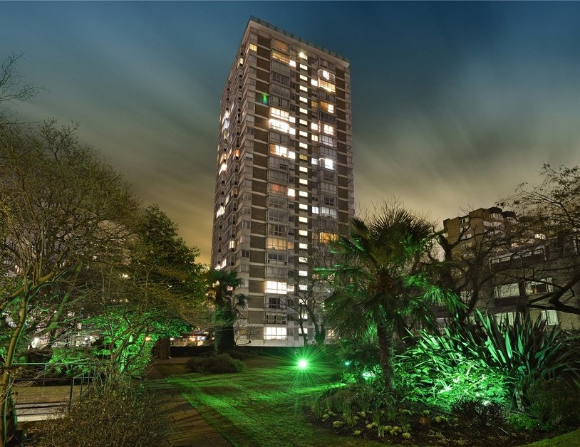 Apartment sold subject to contract in Quadrangle Tower view11