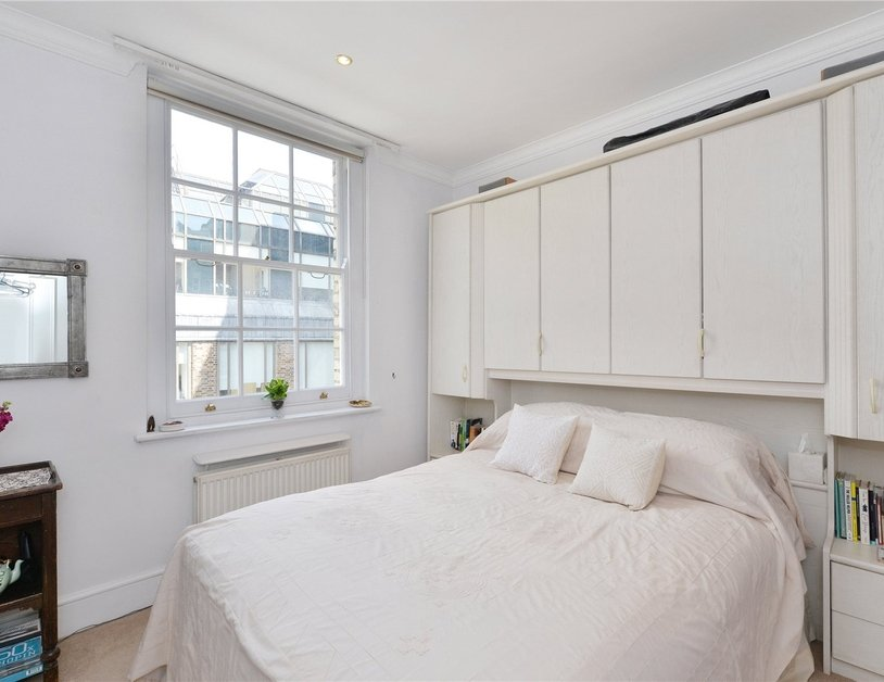Apartment sold subject to contract in Stanhope Place view4