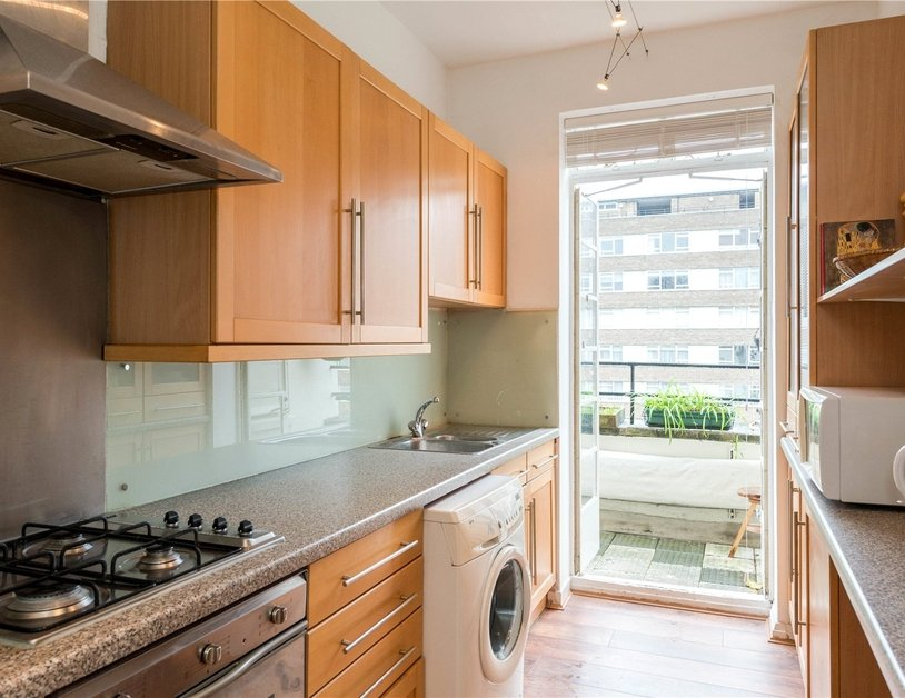 Apartment sold in Sussex Gardens view11