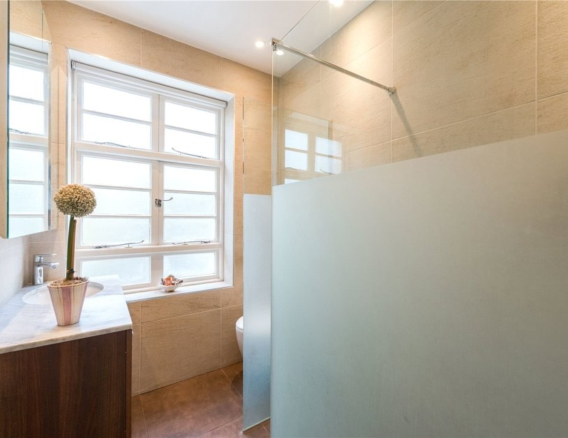 Apartment sold in Sussex Gardens view5