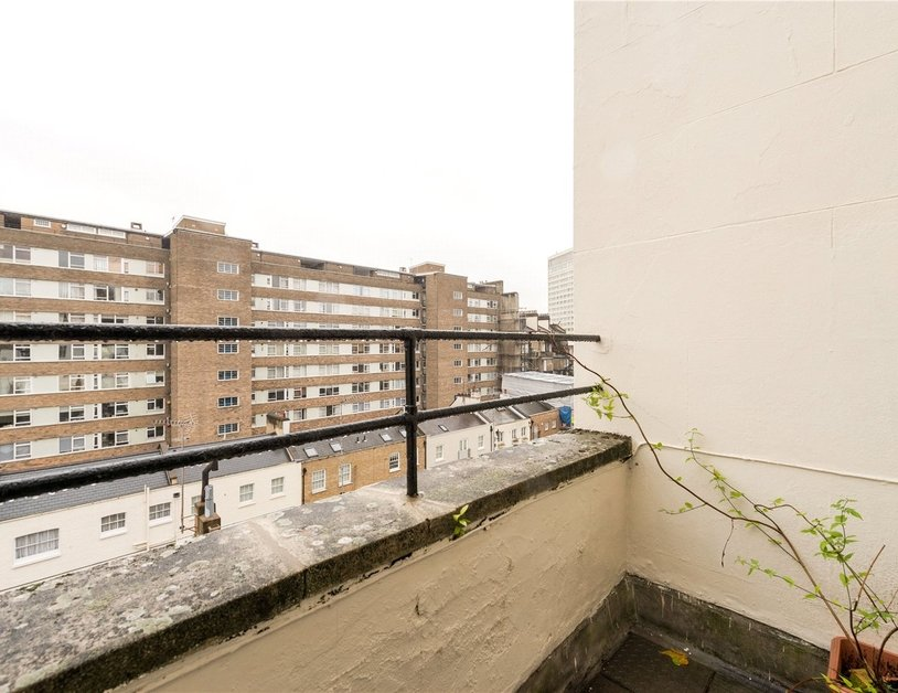 Apartment sold in Sussex Gardens view10