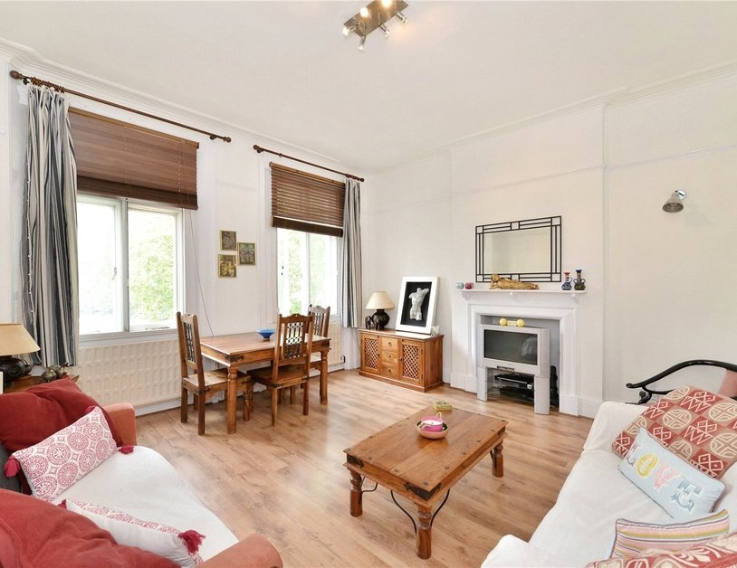 Apartment for sale in Sussex Gardens view2-thumb