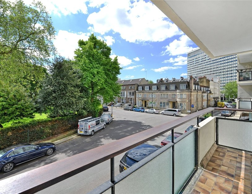 Apartment sold in Sussex Square view1