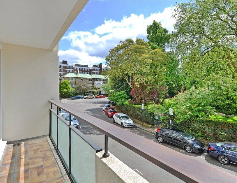 Apartment sold in Sussex Square view15