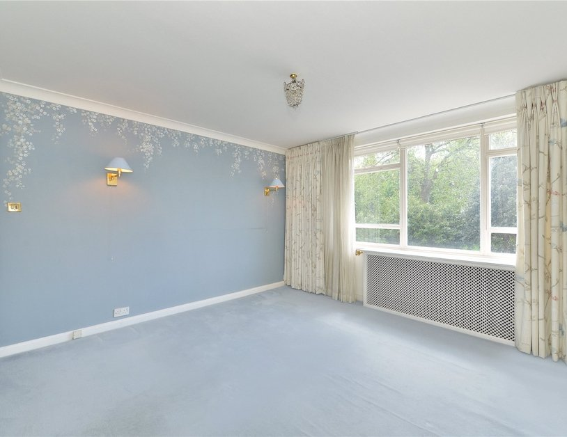 Apartment sold in Sussex Square view10