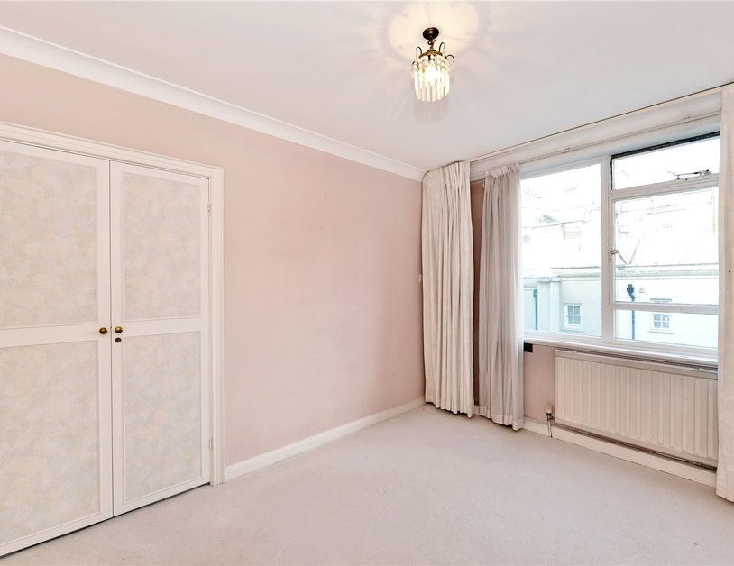 Apartment sold in Sussex Square view11