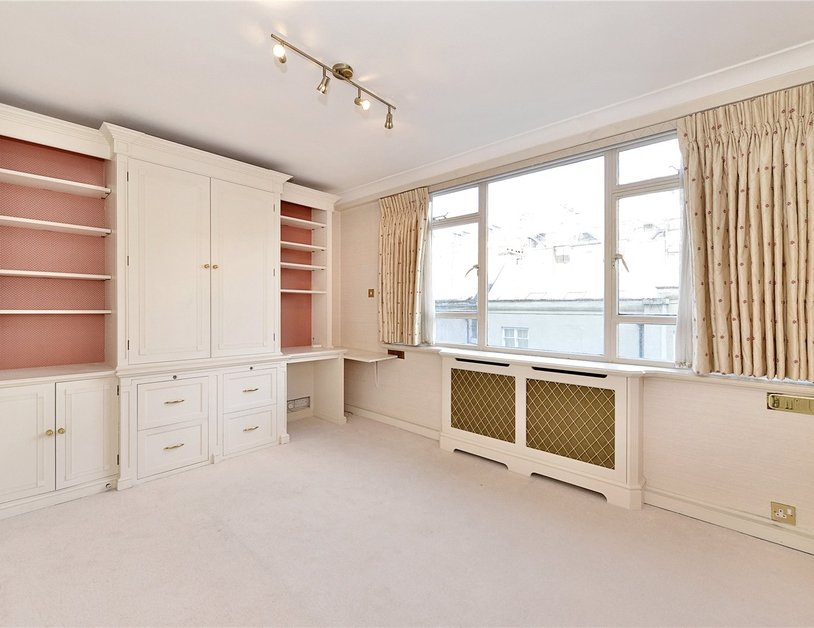 Apartment sold in Sussex Square view4