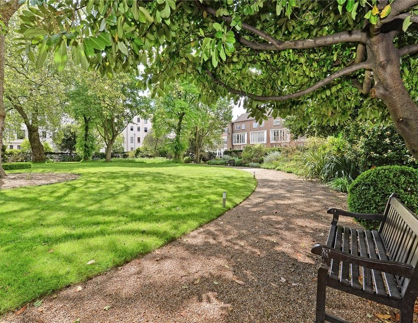Apartment sold in Sussex Square view14
