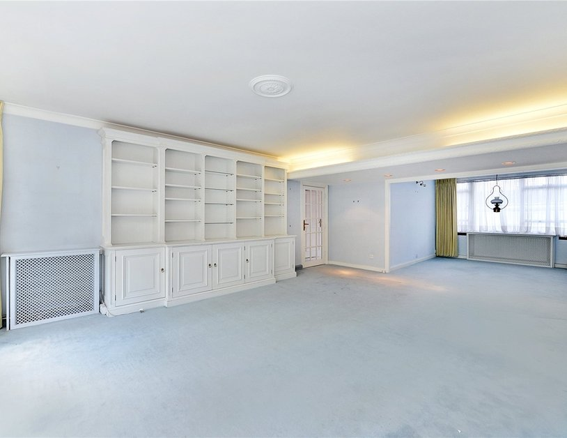 Apartment sold in Sussex Square view5