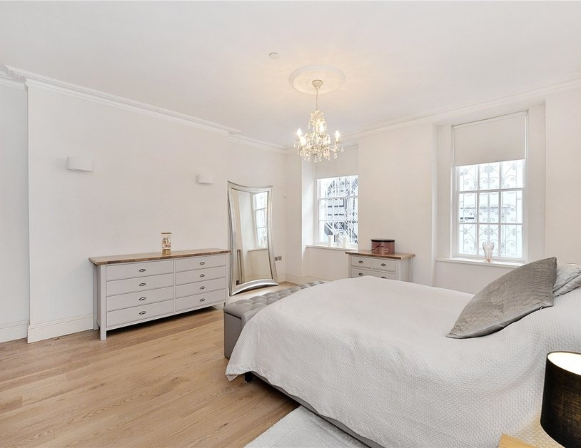 Apartment for sale in Upper Wimpole Street view2