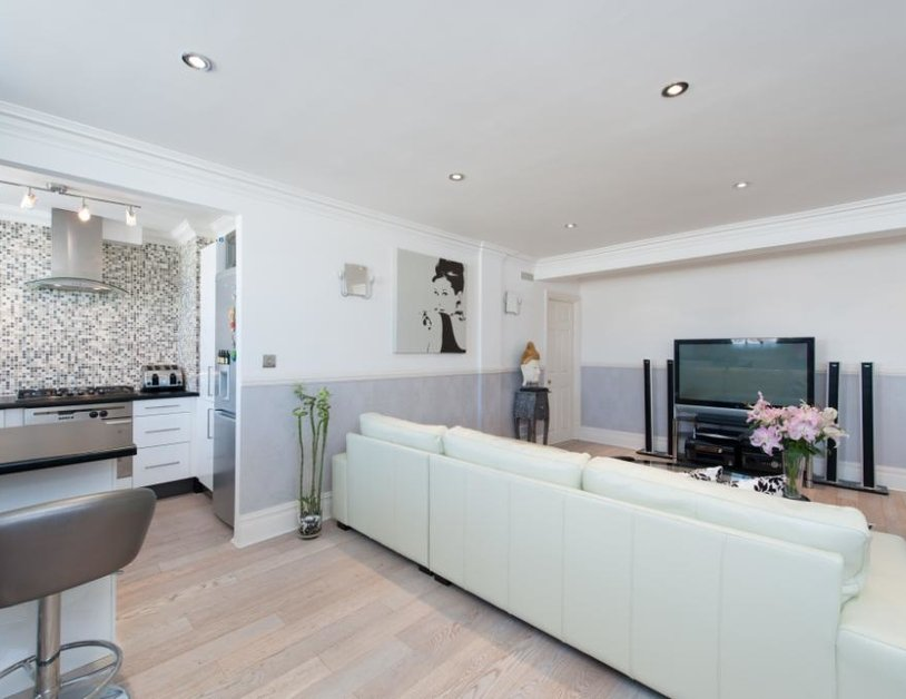 Apartment to rent in Baker Street view8