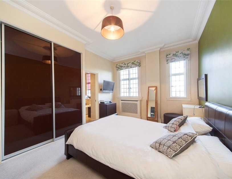 Apartment to rent in Baker Street view4
