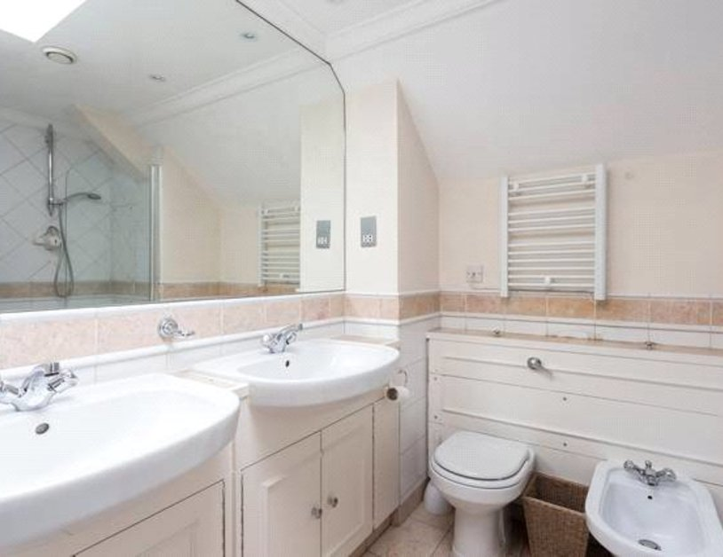 Apartment to rent in Blackburnes Mews view6