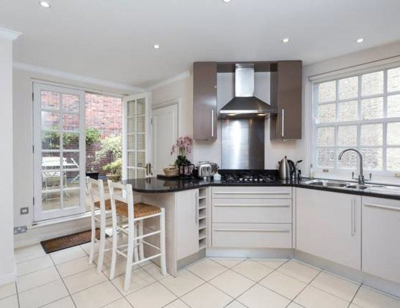 Apartment to rent in Blackburnes Mews view9