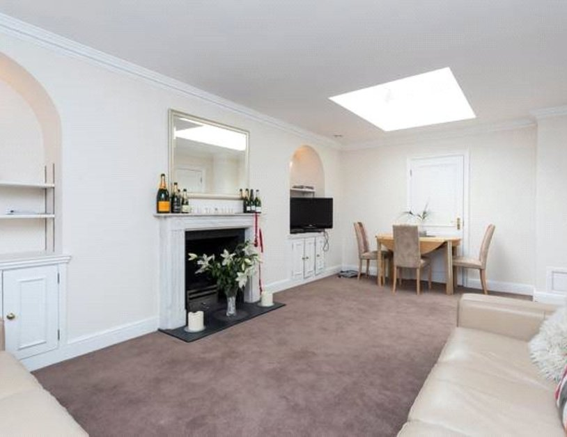 Apartment to rent in Blackburnes Mews view1
