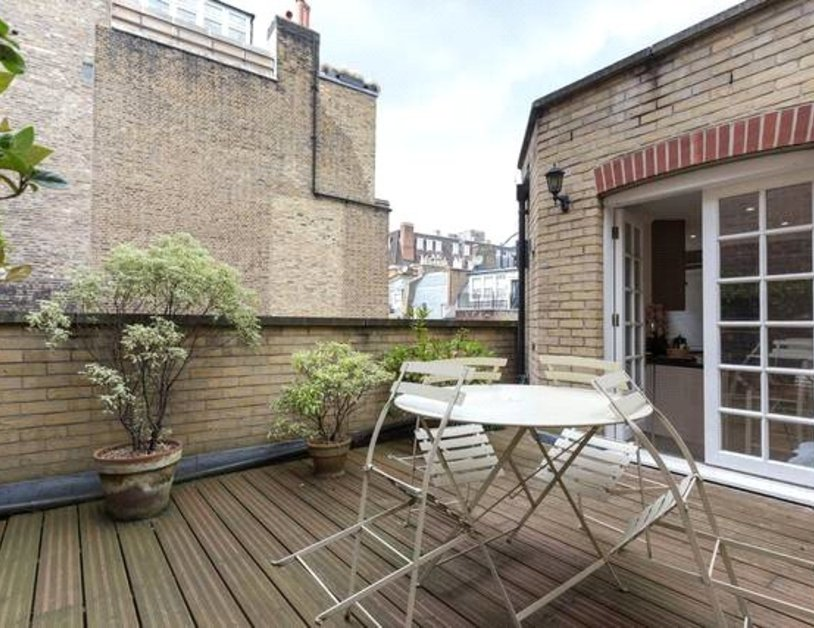 Apartment to rent in Blackburnes Mews view10