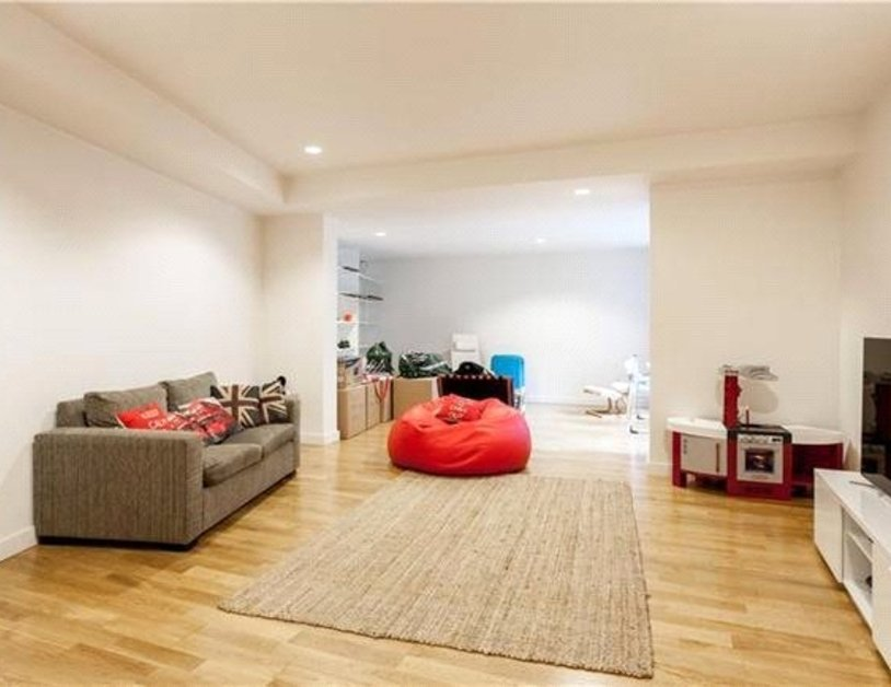 Apartment to rent in Blandford Street view7