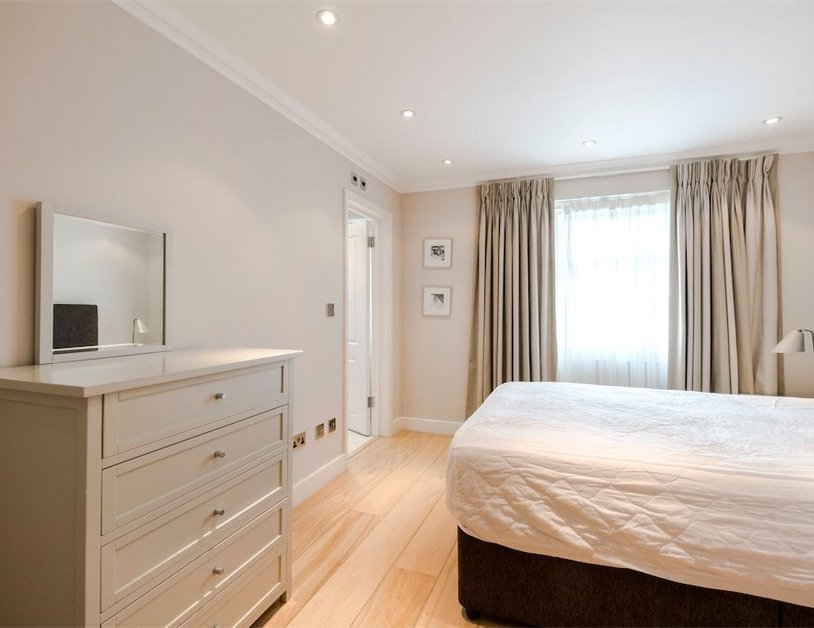 House to rent in Chilworth Street view11