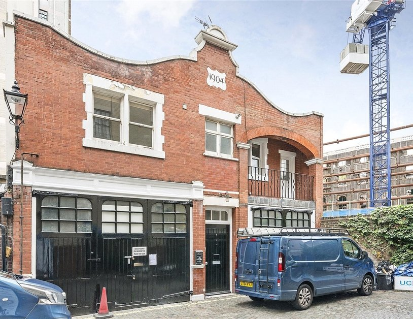 House to rent in Devonshire Row Mews view6