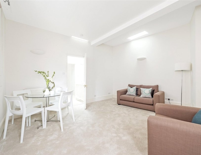 House to rent in Devonshire Row Mews view1
