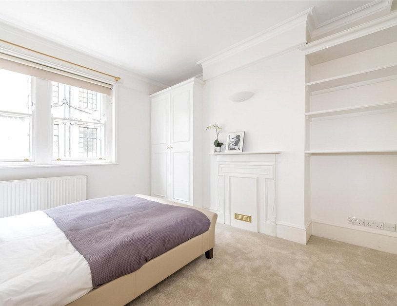 House to rent in Devonshire Row Mews view10