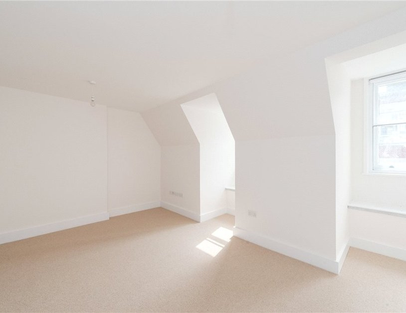Apartment to rent in Eastcastle Street view5