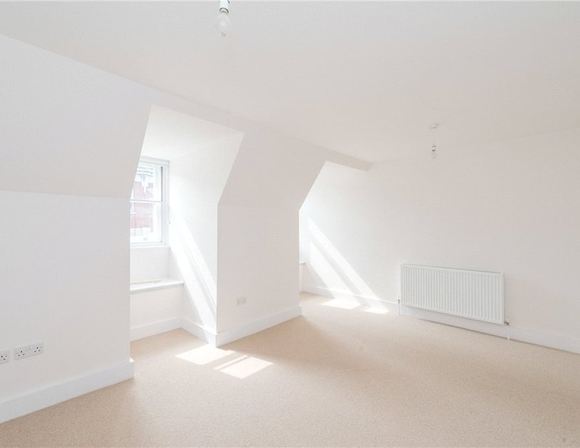 Apartment to rent in Eastcastle Street view6