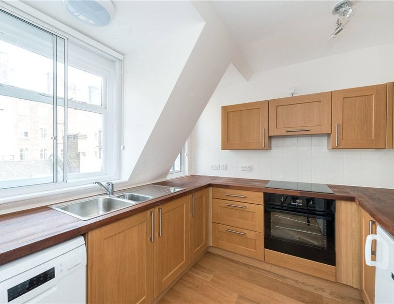 Apartment to rent in Eastcastle Street view3