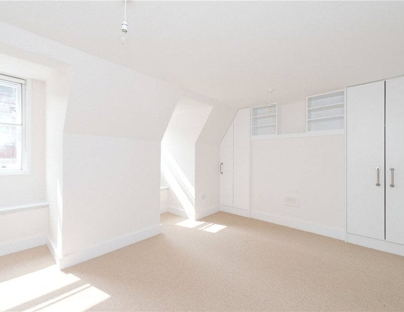 Apartment to rent in Eastcastle Street view2