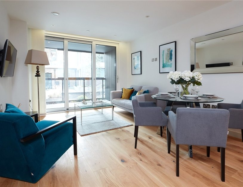 Apartment to rent in Elizabeth Court view10
