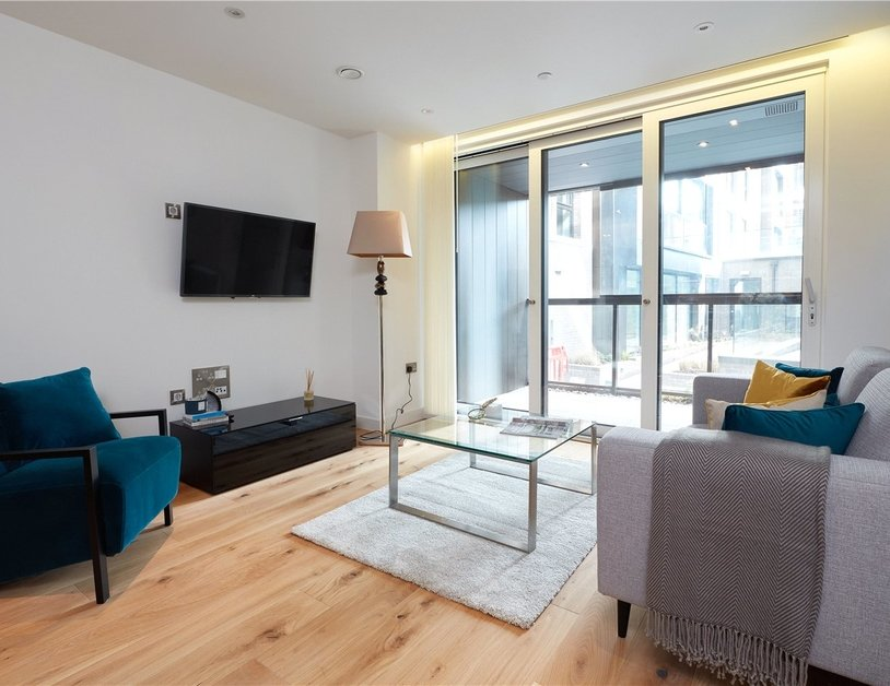 Apartment to rent in Elizabeth Court view11