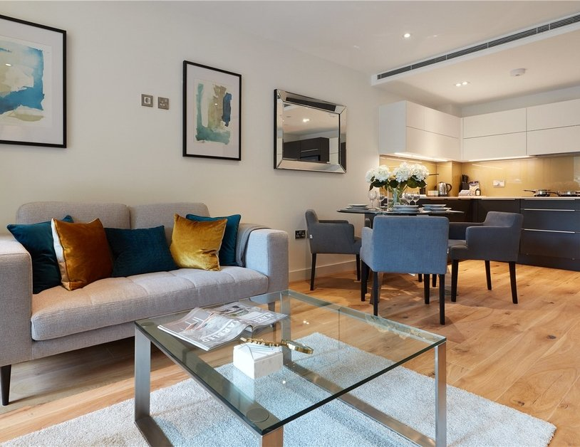 Apartment to rent in Elizabeth Court view3