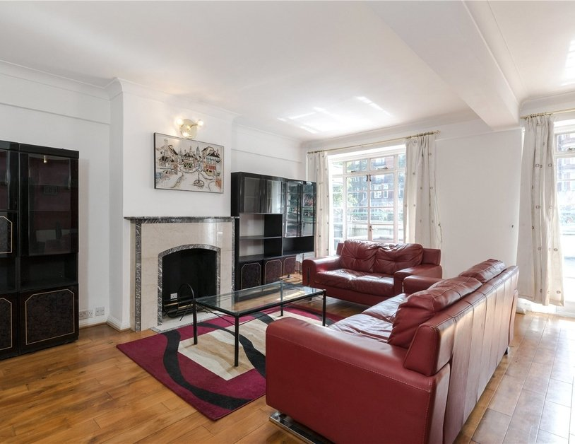 Apartment to rent in Gloucester Place view1