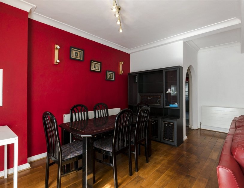 Apartment to rent in Gloucester Place view2