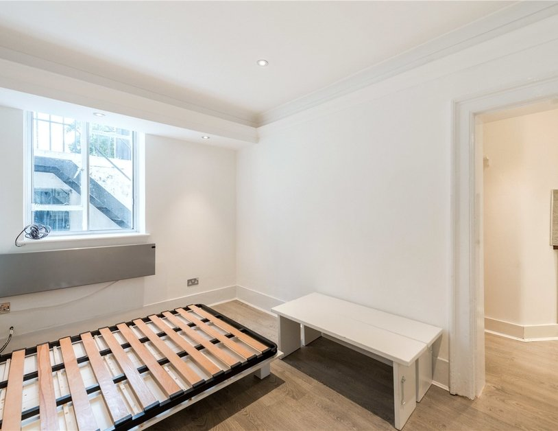 Studio Flat to rent in Gloucester Place view8