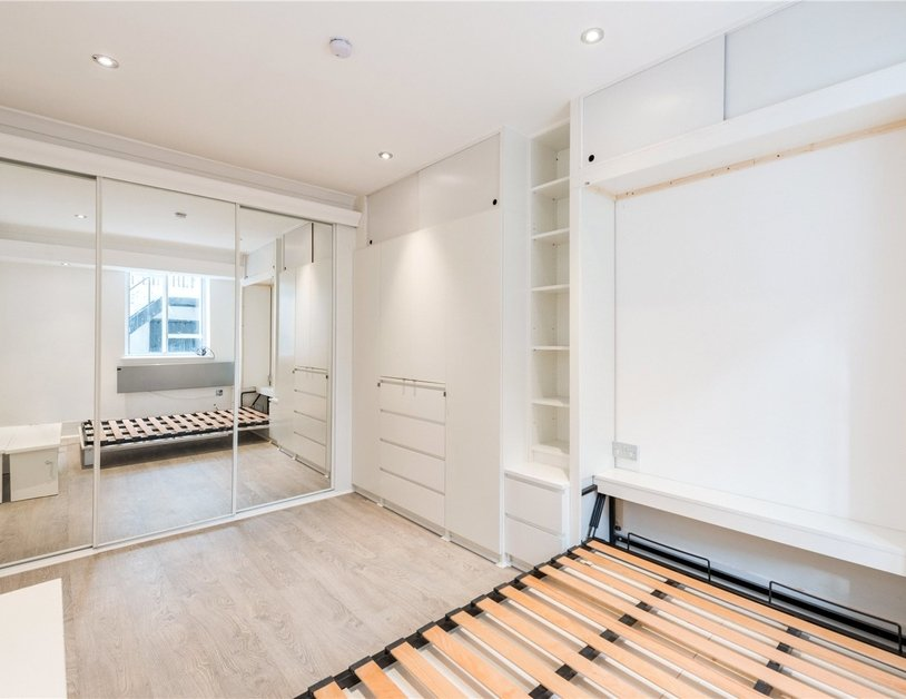 Studio Flat to rent in Gloucester Place view9