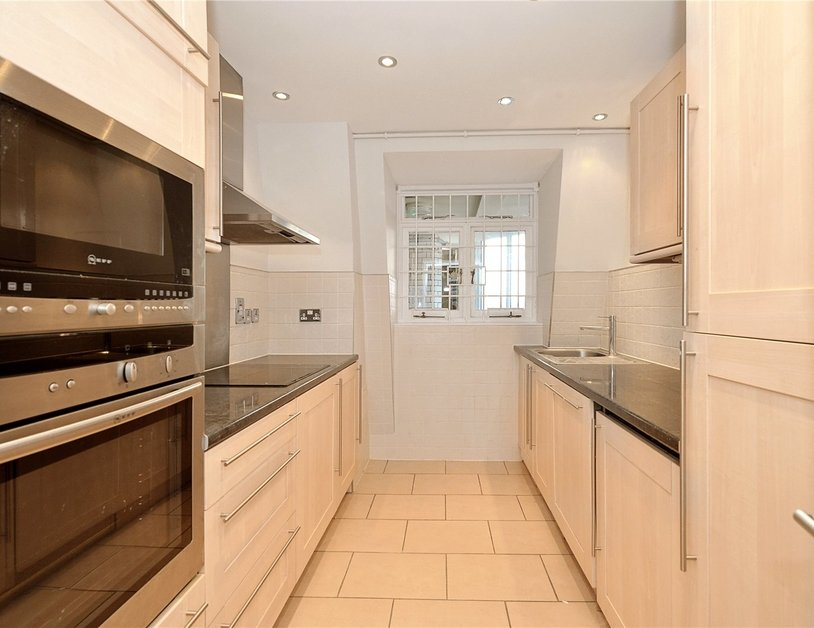 Apartment to rent in Hallam Street view3