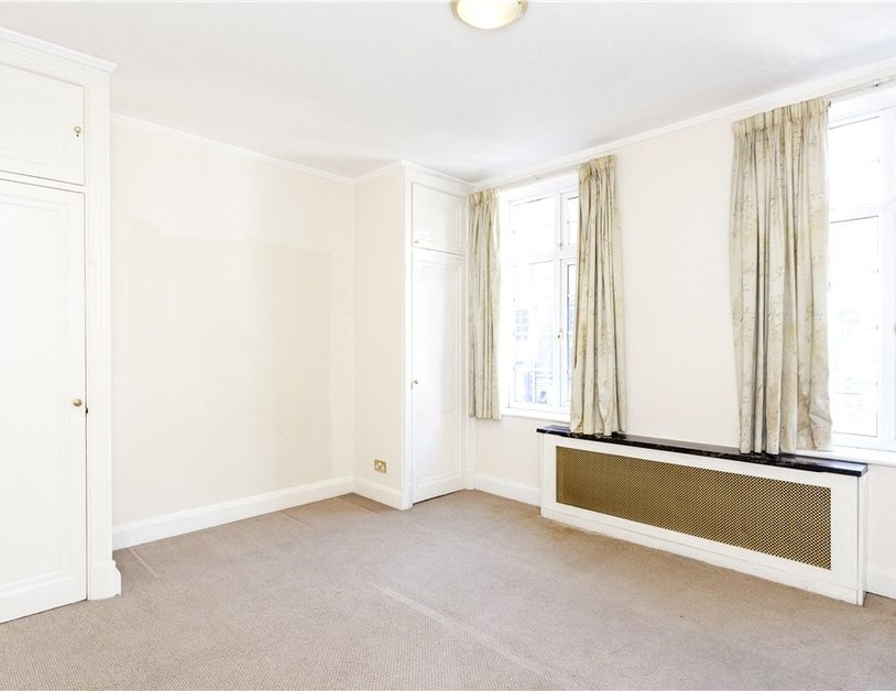 Apartment to rent in Hallam Street view6