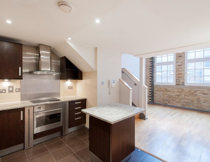 Apartment to rent in Hanway Place view1
