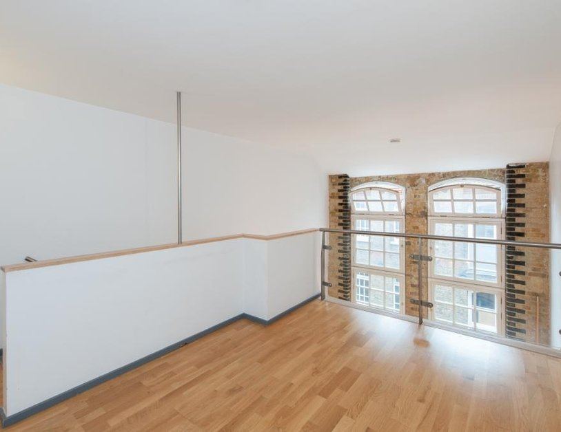 Apartment to rent in Hanway Place view3