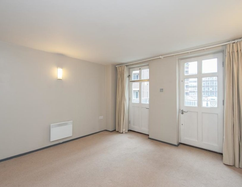 Apartment to rent in Hanway Place view4