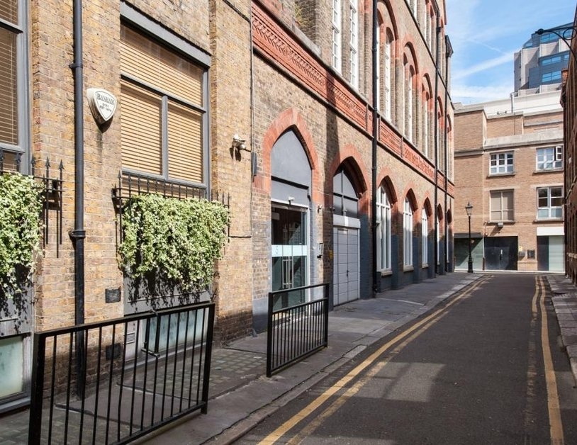 Apartment to rent in Hanway Place view7
