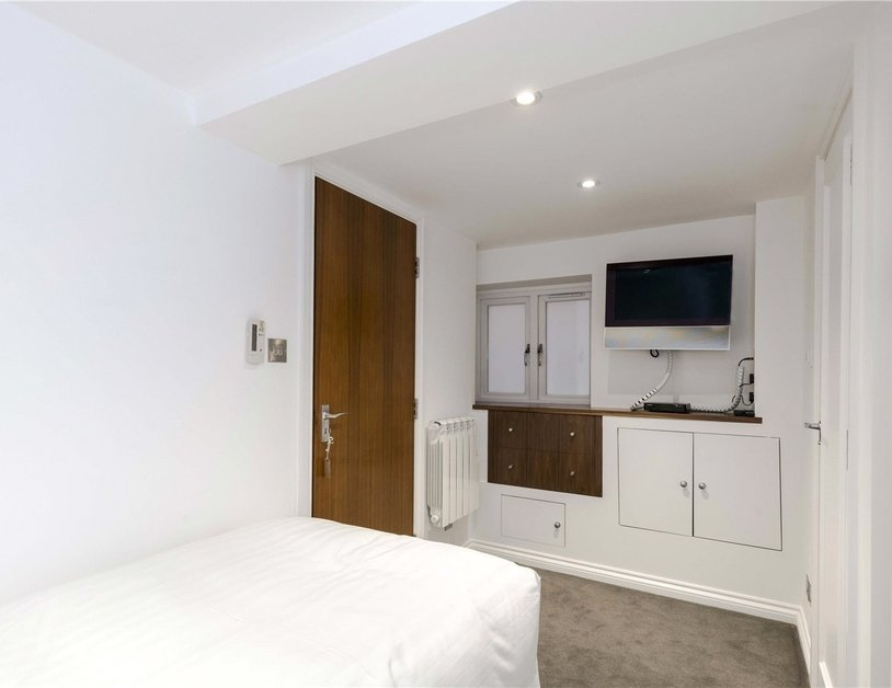 Apartment to rent in Hyde Park Gardens view19