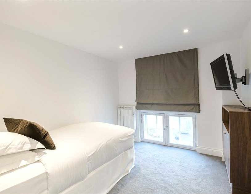 Apartment to rent in Hyde Park Gardens view14