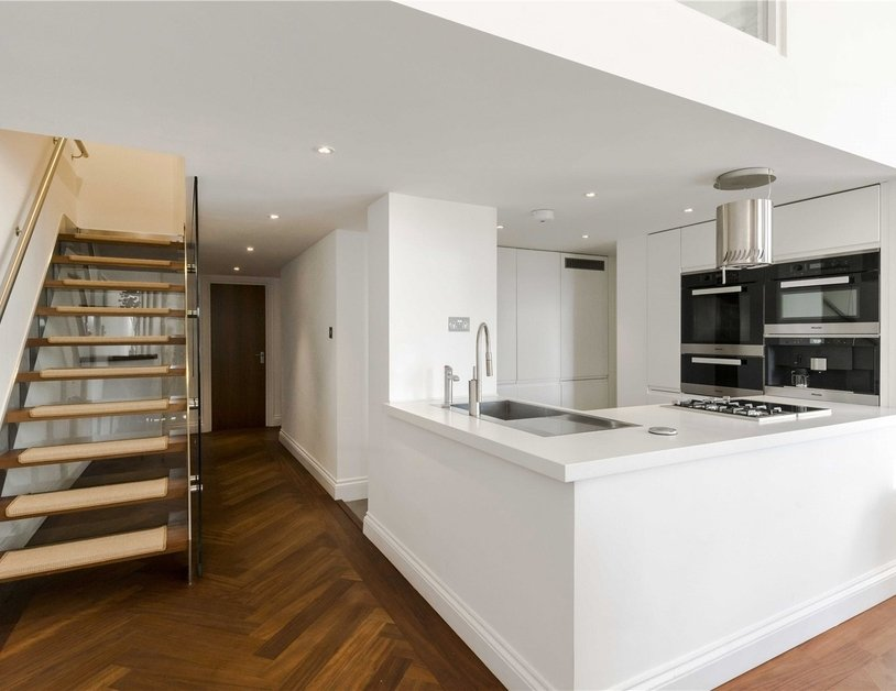 Apartment to rent in Hyde Park Gardens view11