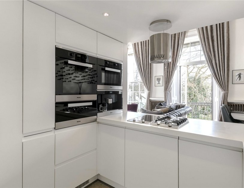 Apartment to rent in Hyde Park Gardens view18