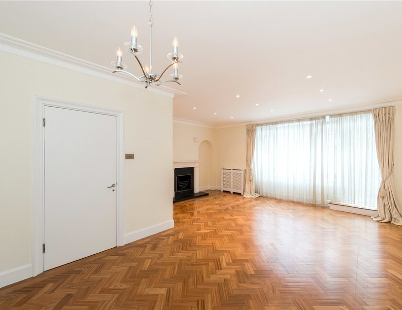 House to rent in Hyde Park Square view3