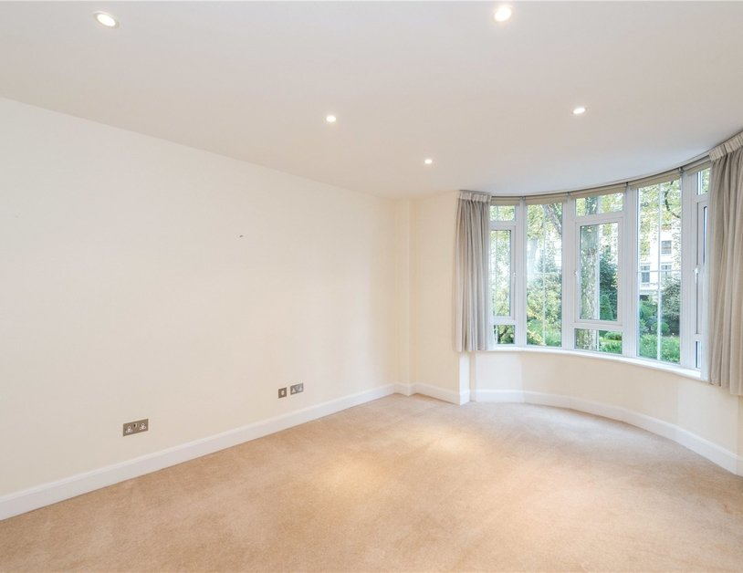 House to rent in Hyde Park Square view5