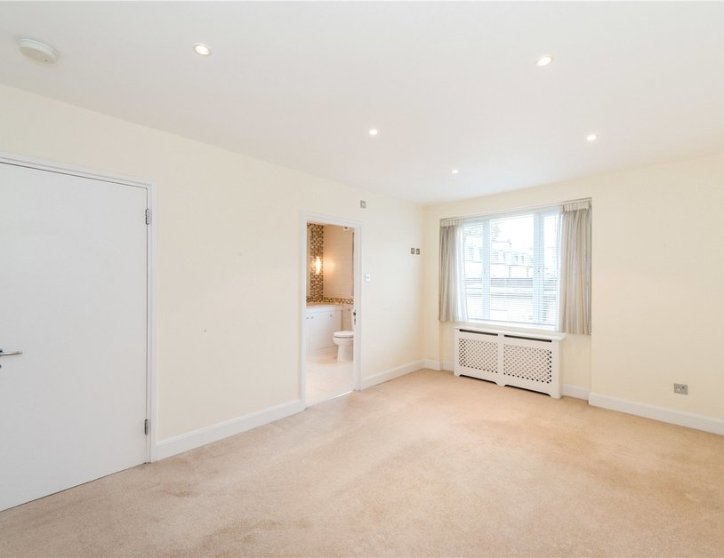 House to rent in Hyde Park Square view6