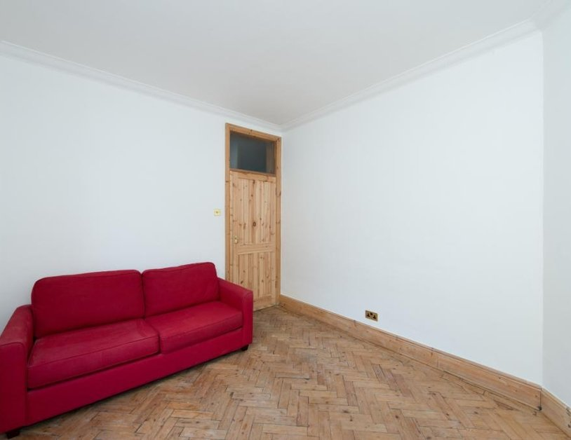 Apartment to rent in Luxborough Street view1